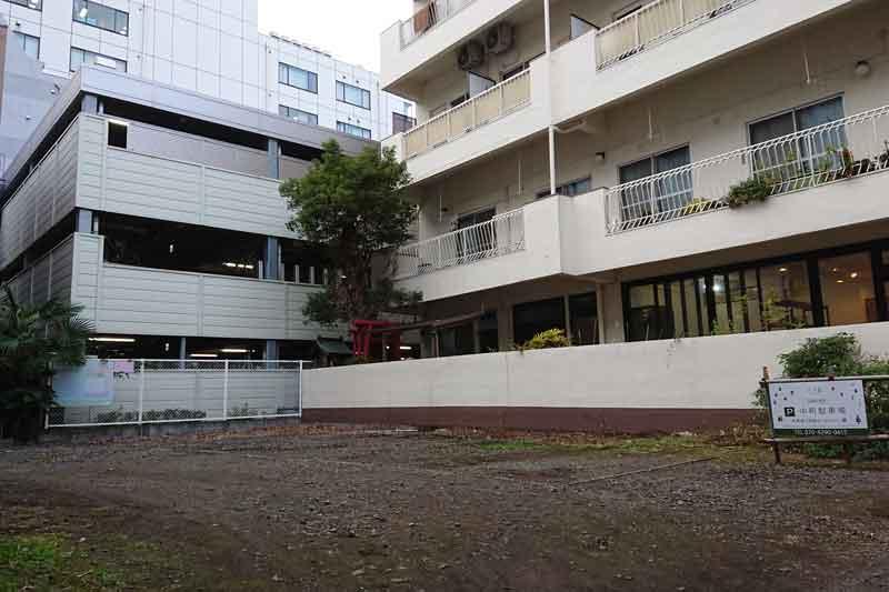 中町駐車場 (砂利敷き)