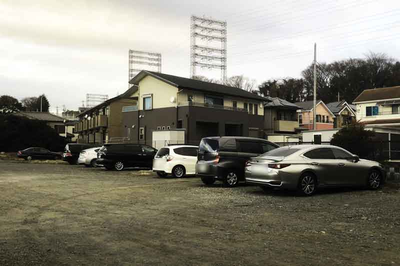 磯部椚下駐車場 (砂利敷き)